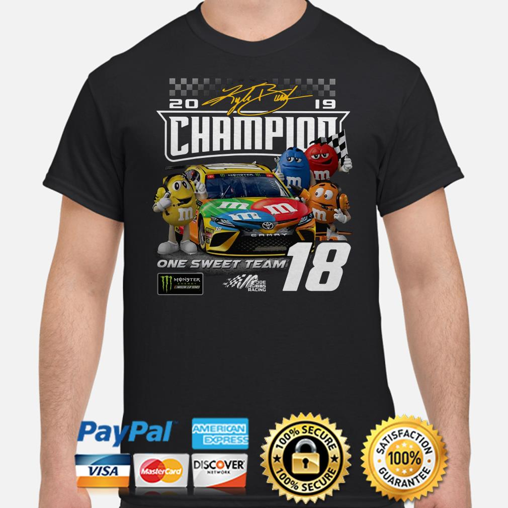 M&M 2019 Champions on the sweet team shirt