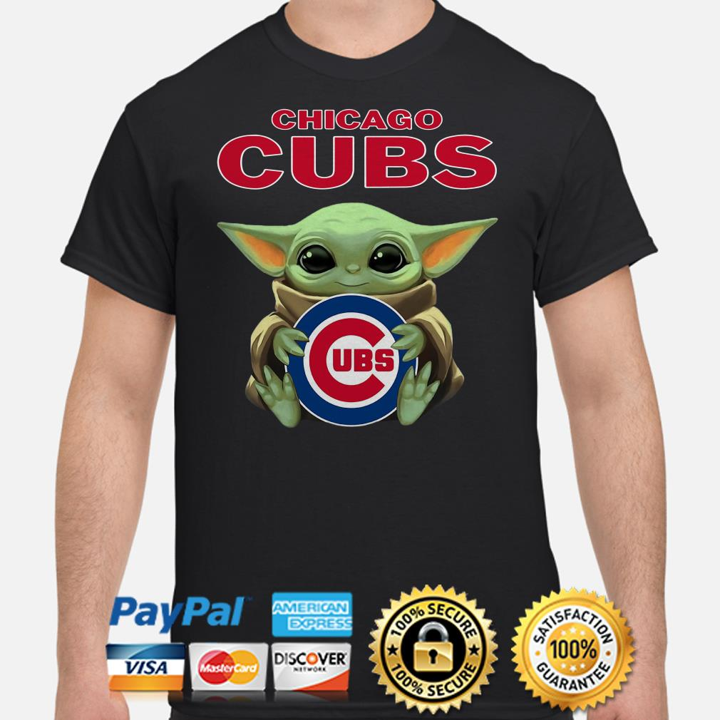 Baby Yoda hug CHicago Cubs shirt